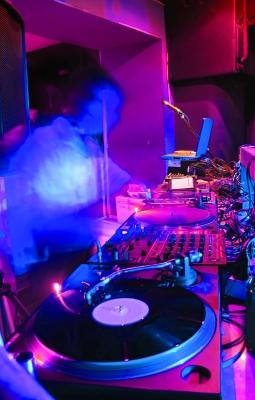 DJ Booking - Julien POL